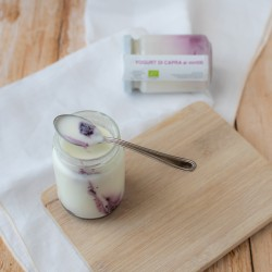 Yogurt biologico di capra...